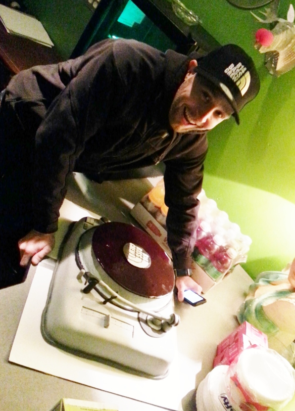 NatasK and his turntable birthday cake